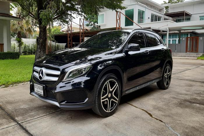 Mercedes Benz GLA250 AMG Dynamic ปี 2017 สีดำ