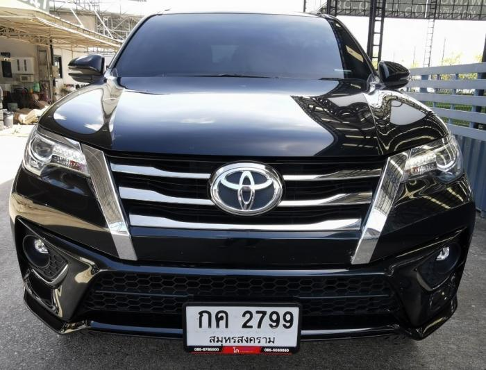 ALL NEW FORTUNER 2.8 TRD BLACK TOP 2WD ปี 17 ดาวน์ 39,000